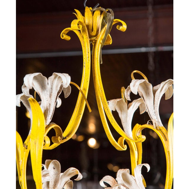 1960s Vintage Italian Lily Chandelier For Sale In New York - Image 6 of 8