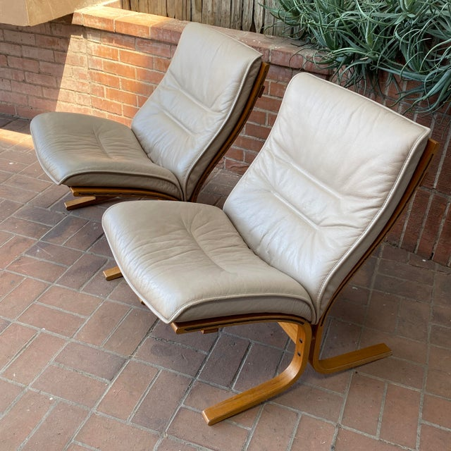 Vintage Westnofa Ingmar Relling Design Leather & Bent Wood Lounge Chairs - a Pair For Sale - Image 12 of 13