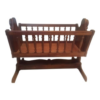 Early American Vintage Bassinet For Sale