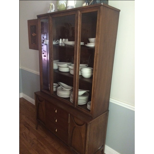 Broyhill Broyhill Brasilia Mid-Century China Cabinet For Sale - Image 4 of 11