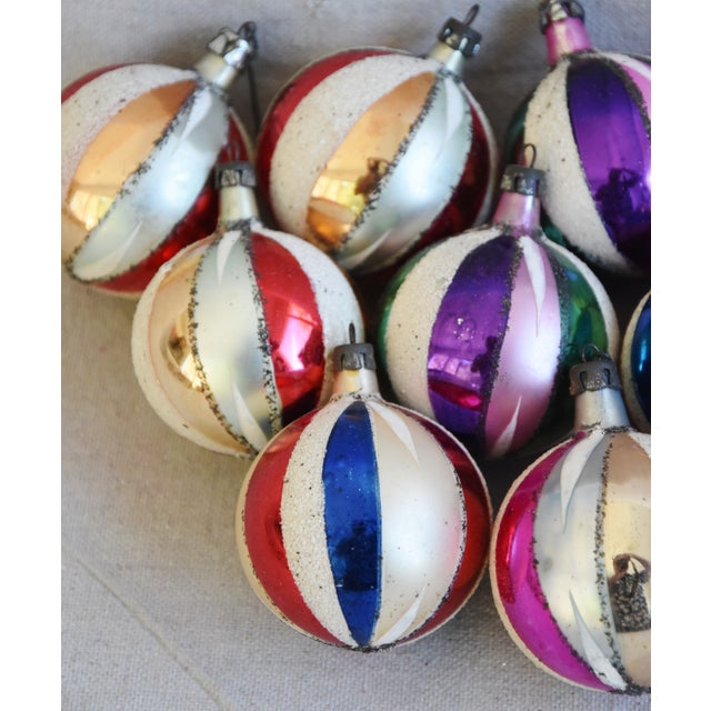 Midcentury Swirl Glitter Colorful Christmas Tree Ornaments W/Box - Set of 12 For Sale In Los Angeles - Image 6 of 10
