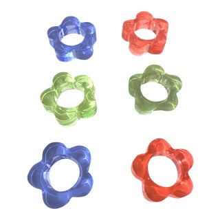 1970's Era Lucite Flower Napkin Rings - Set of 6 For Sale