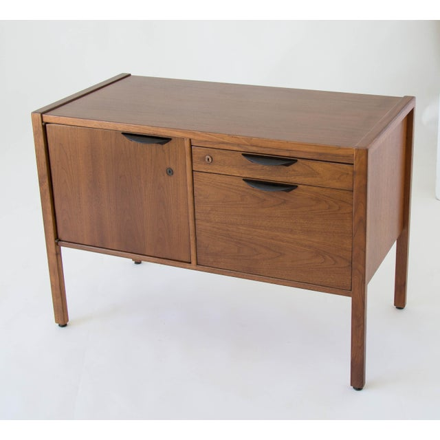Jens Risom Compact Walnut Credenza - Image 4 of 8