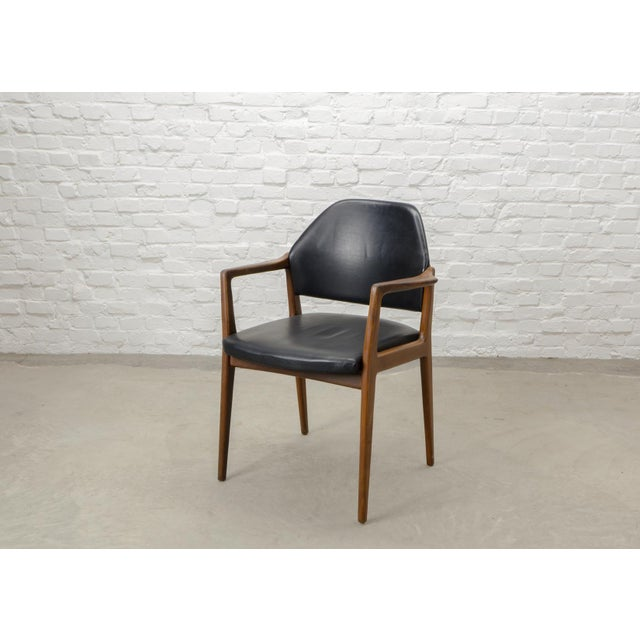 Mid-Century Scandinavian design desk / side chair. Very comfortable chair with solid wooden frame and black leather...