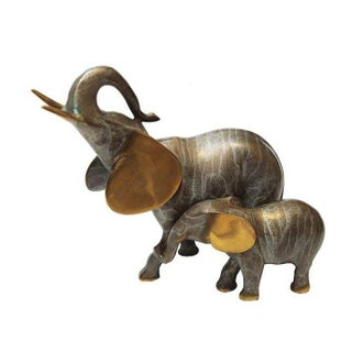 Brass Elephant Mama and Baby For Sale