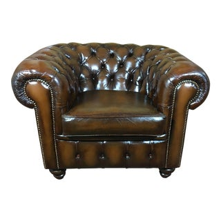 Vintage Mid-Century English Tobacco Brown Leather Chesterfield Club Chair For Sale