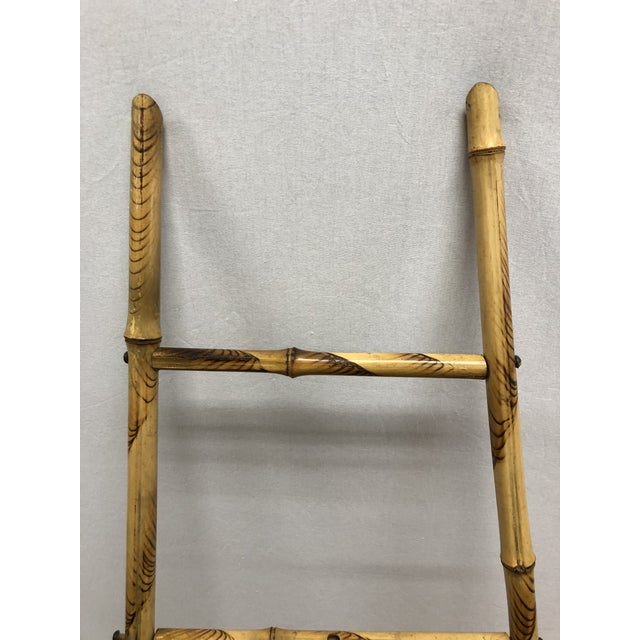 No more wall space...no worries. Use this bamboo floor easel to display your favorite framed prints or paintings.