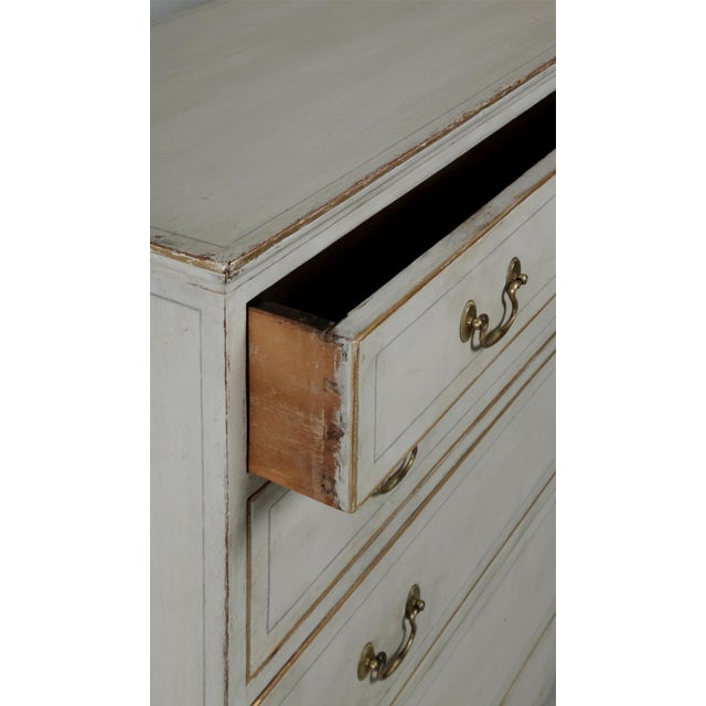 Hepplewhite Antique American Country Hepplewhite Painted Chest of Drawers For Sale - Image 3 of 7