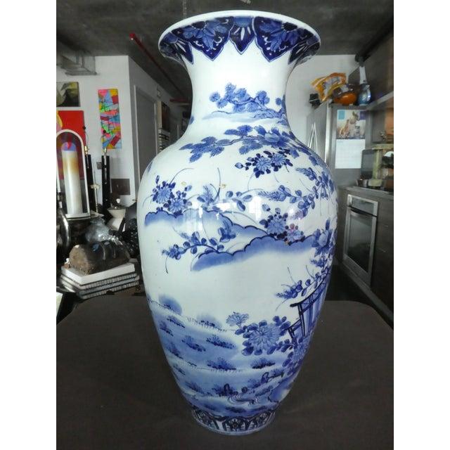Late 19th Century Palace Size 19th Century Antique Japanese Imari Vase For Sale - Image 5 of 10