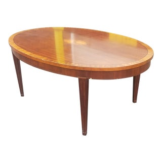 Baker Furniture Banded Mahogany Inlaid Oval Coffee Table 1990s For Sale