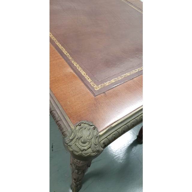French Louis XV Style Bureau Plat With Embossed Leather Top and Bronze Ormolu Mounts C.1940 For Sale In San Francisco - Image 6 of 8