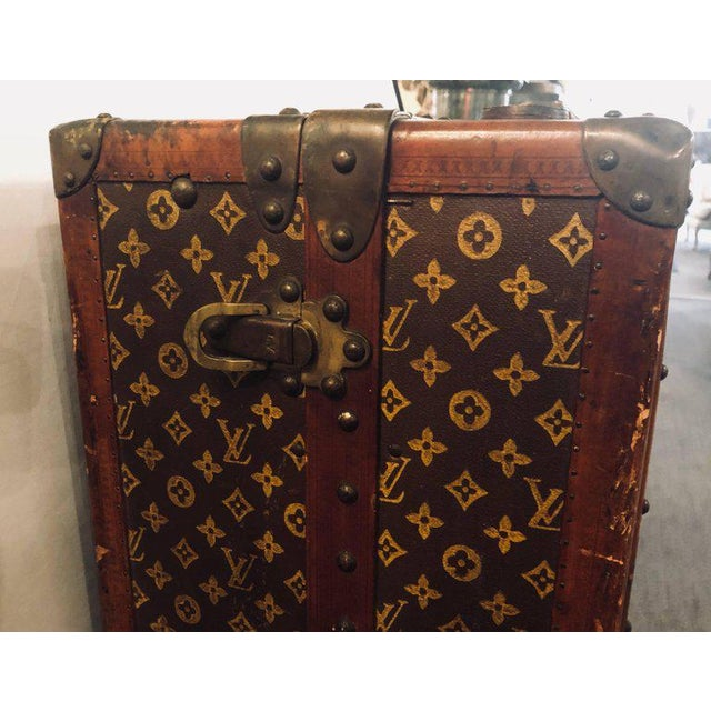 1920s Louis Vuitton Trunk Steamer Wardrobe Trunk Interior Fitted John Wanamaker Label For Sale - Image 5 of 13