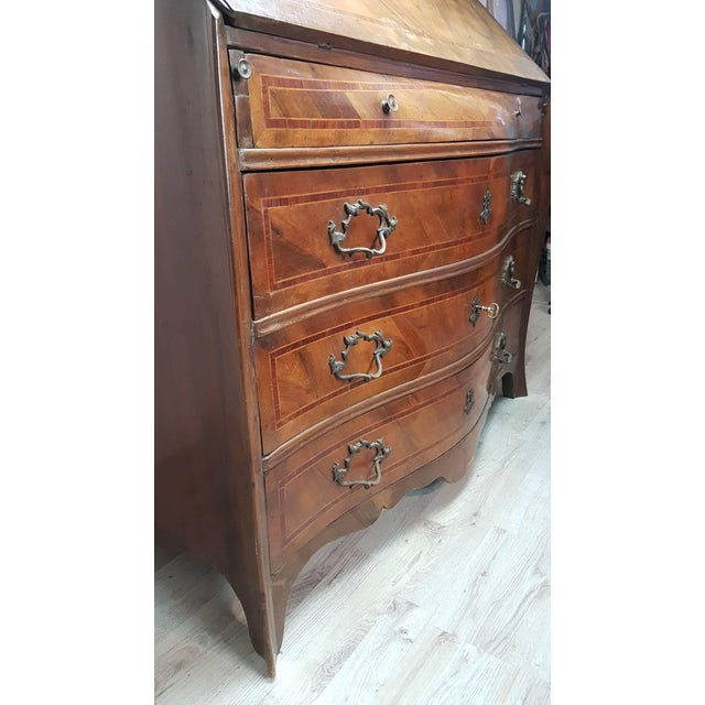 18th Century Italian Louis XV Walnut Chest of Drawers With Secretarie For Sale - Image 11 of 13