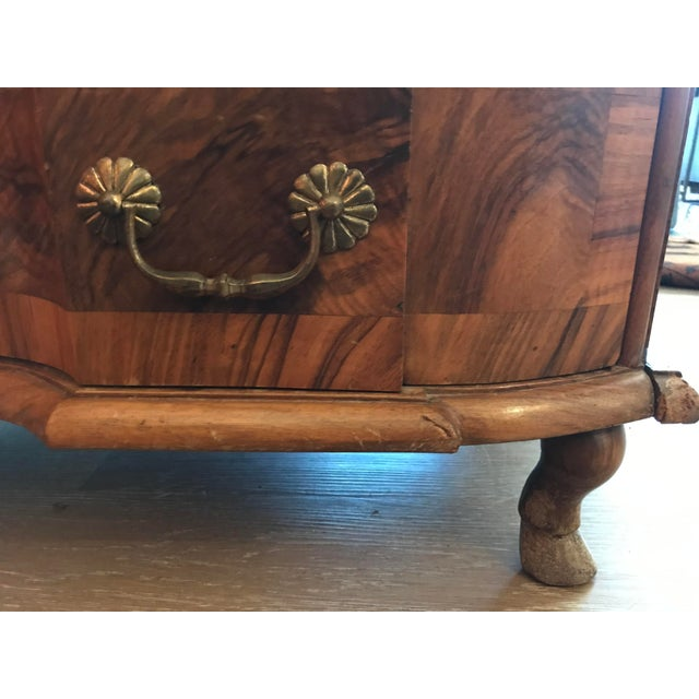 Wood 18th Century Italian Burl Walnut Chest of Drawers For Sale - Image 7 of 10