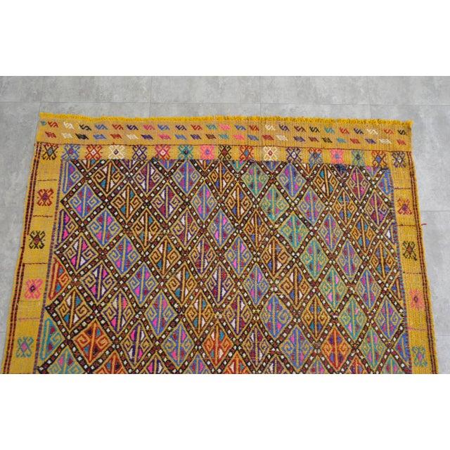 1960s Hand Woven Vintage Turkish Kilim Rug. Wool Braided Area Rug Kilim Jajim- 5′5″ × 7′ For Sale - Image 5 of 9