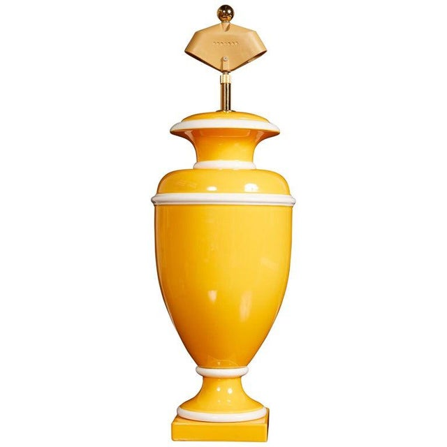 Vintage Italian Ceramic Lamp in Yellow and White For Sale - Image 9 of 9