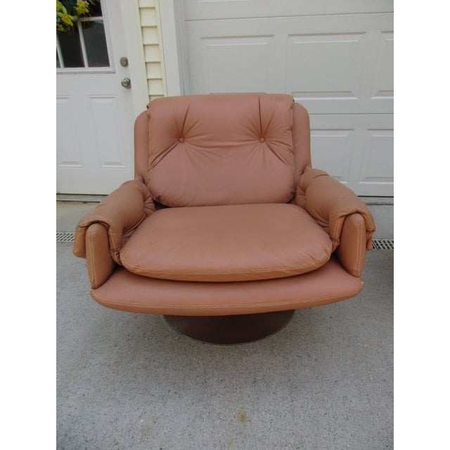 Mid-Century Modern Swivel Lounge Chairs on Unique Cantilever Base -A Pair For Sale - Image 10 of 13