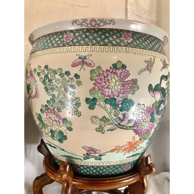 20th Century Chinese Qing Famille Verte Porcelain Jardinieres / Planters - a Pair For Sale In Indianapolis - Image 6 of 13