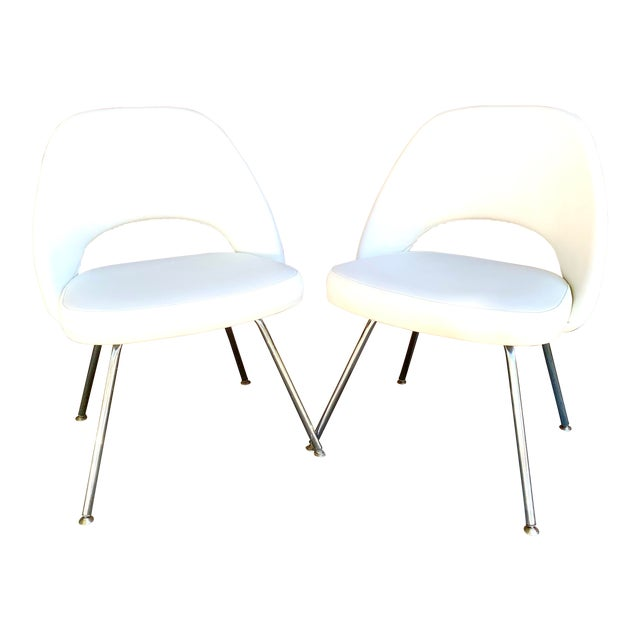 Knoll Saarninen White Executive Chairs- A Pair For Sale