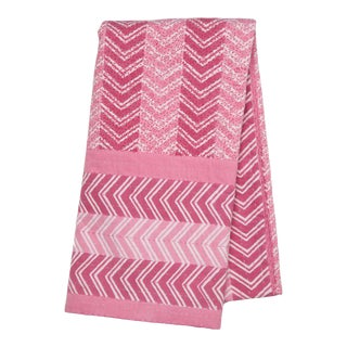 Chevron Hand Stitched Quilted Tablecloth, 8-seat table - Pink For Sale