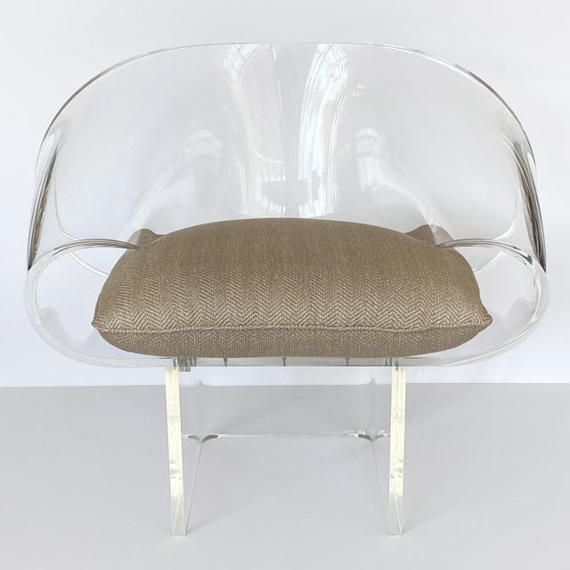 Hollywood Regency 1970s Robert Van Horn Lucite Ribbon Lounge Chair, Signed For Sale - Image 3 of 13