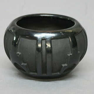 American Robert Naranjo, Santa Clara Indian Sculpted Black Pottery Vase Preview