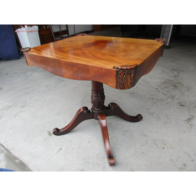 English Traditional Antique Pedestal Side or Accent Table For Sale - Image 3 of 11