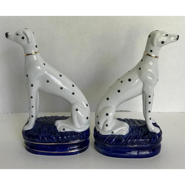 Staffordshire Vintage Staffordshire Style Porcelain Dogs - a Pair For Sale - Image 4 of 5