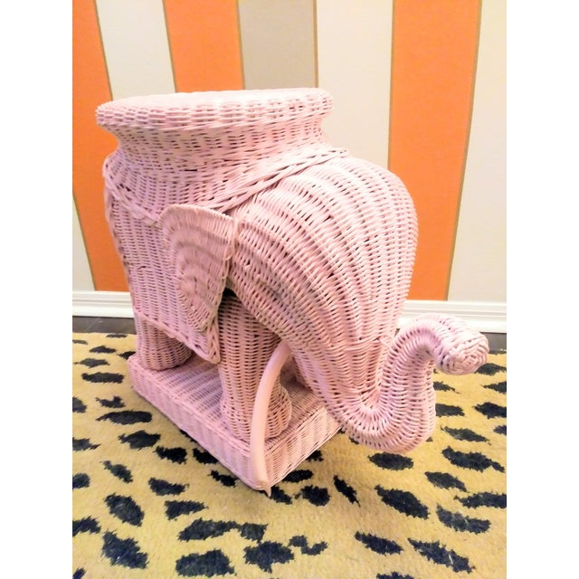 1970s Palm Beach Regency Pale Pink Wicker Elephant Side Table or Plant Stand For Sale - Image 5 of 5