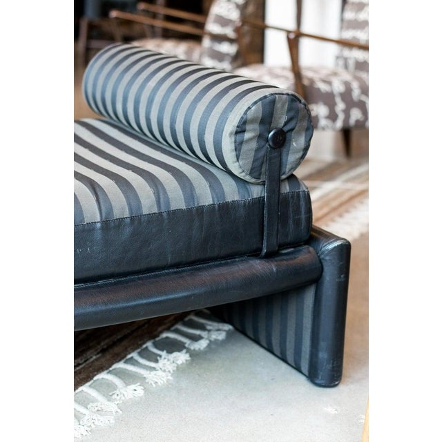 Fendi Daybed Chaise, Black Leather and Fendi Stripe, Italy, 1980s For Sale - Image 11 of 13