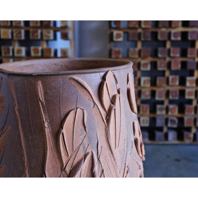 "Mid 20th Century David Cressey ""Expressive"" Design Ceramic Planter For Sale - Image 5 of 9"