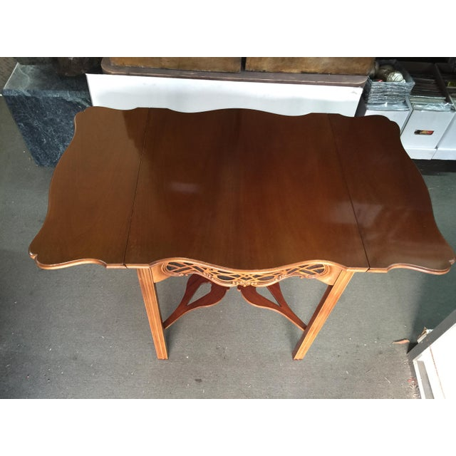 1990s Baker Furniture Drop Leaf Table Pembroke Table Historic Charleston For Sale - Image 5 of 9