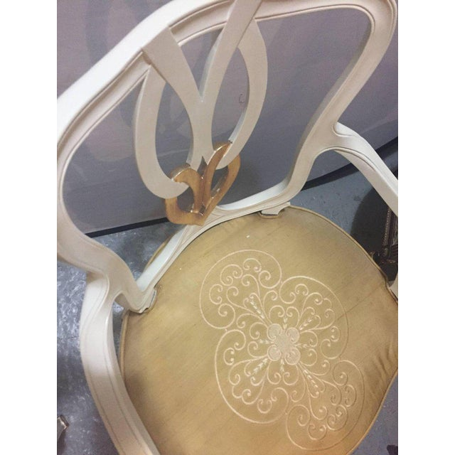 Hollywood Regency 8 Sweet Heart Dining Chairs Parcel Gilt Gold & Paint Decorated - Image 8 of 9