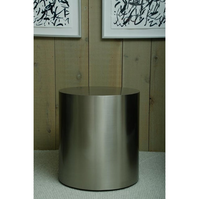 2000s Pairof Milo Baughman Brushed Steel Round Occasional Tables For Sale - Image 5 of 6