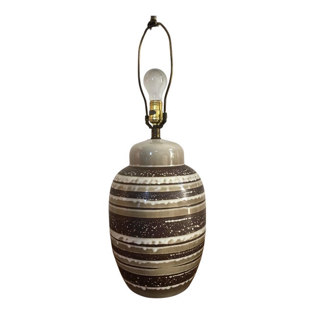 Vintage Mid Century Modern Ceramic Table Lamp. For Sale
