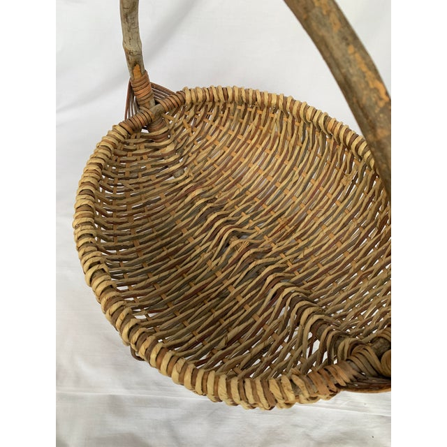 """vintage handmade buttocks gathering basket with bentwood tree branch handle. Medium/ large capacity: about W16"""" x D15"""" x..."""
