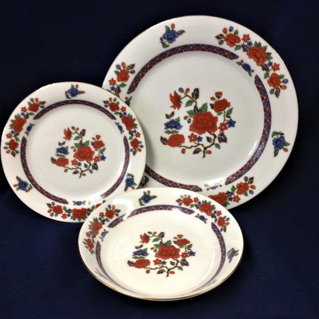 White Crown Ming Old Imari Pattern China (3 Piece Settings) For Sale - Image 8 of 8
