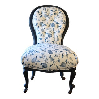 Victorial Spoon-Back Bedroom Chair