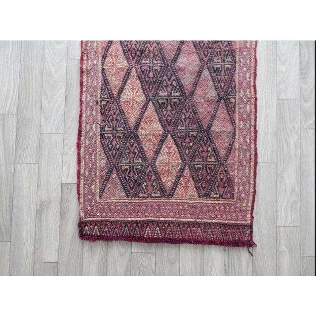 Masterwork Hand-Woven Rug Braided Small Kilim 1′6″ × 3′ For Sale In Dallas - Image 6 of 8