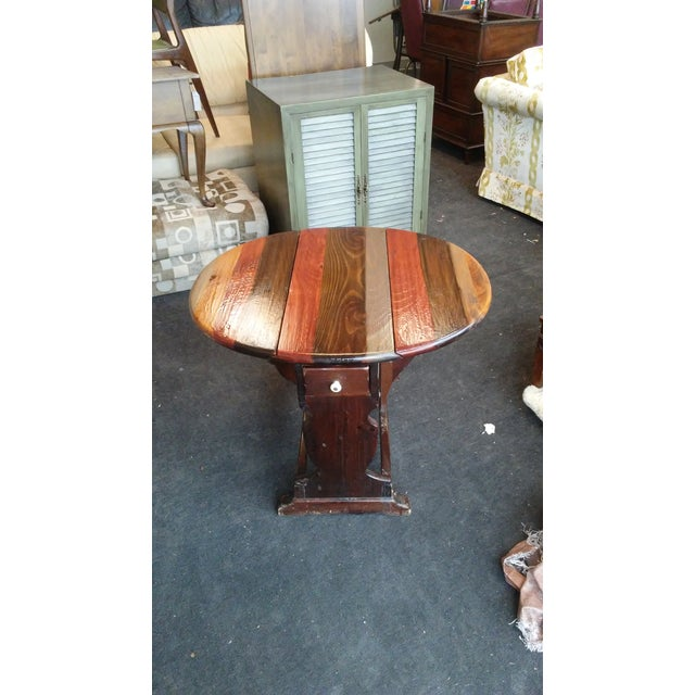 1960s British Colonial Ethan Allen Pine Old Tavern Drop Leaf Table For Sale - Image 6 of 6