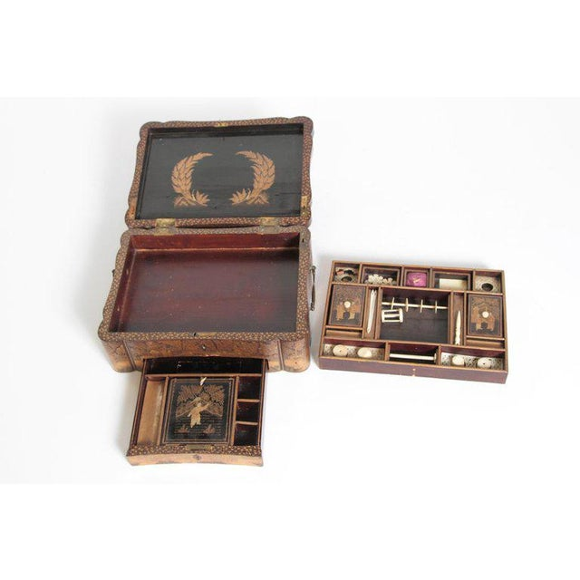 19th Century Chinese Export Chinoiserie Lacquer Sewing Box For Sale - Image 12 of 13