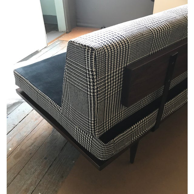 Mid-Century Modern Daybed For Sale In New York - Image 6 of 10