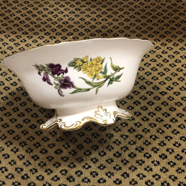 Spode Spode Scalloped Rim Botanical Bowl with Gold Details For Sale - Image 4 of 7