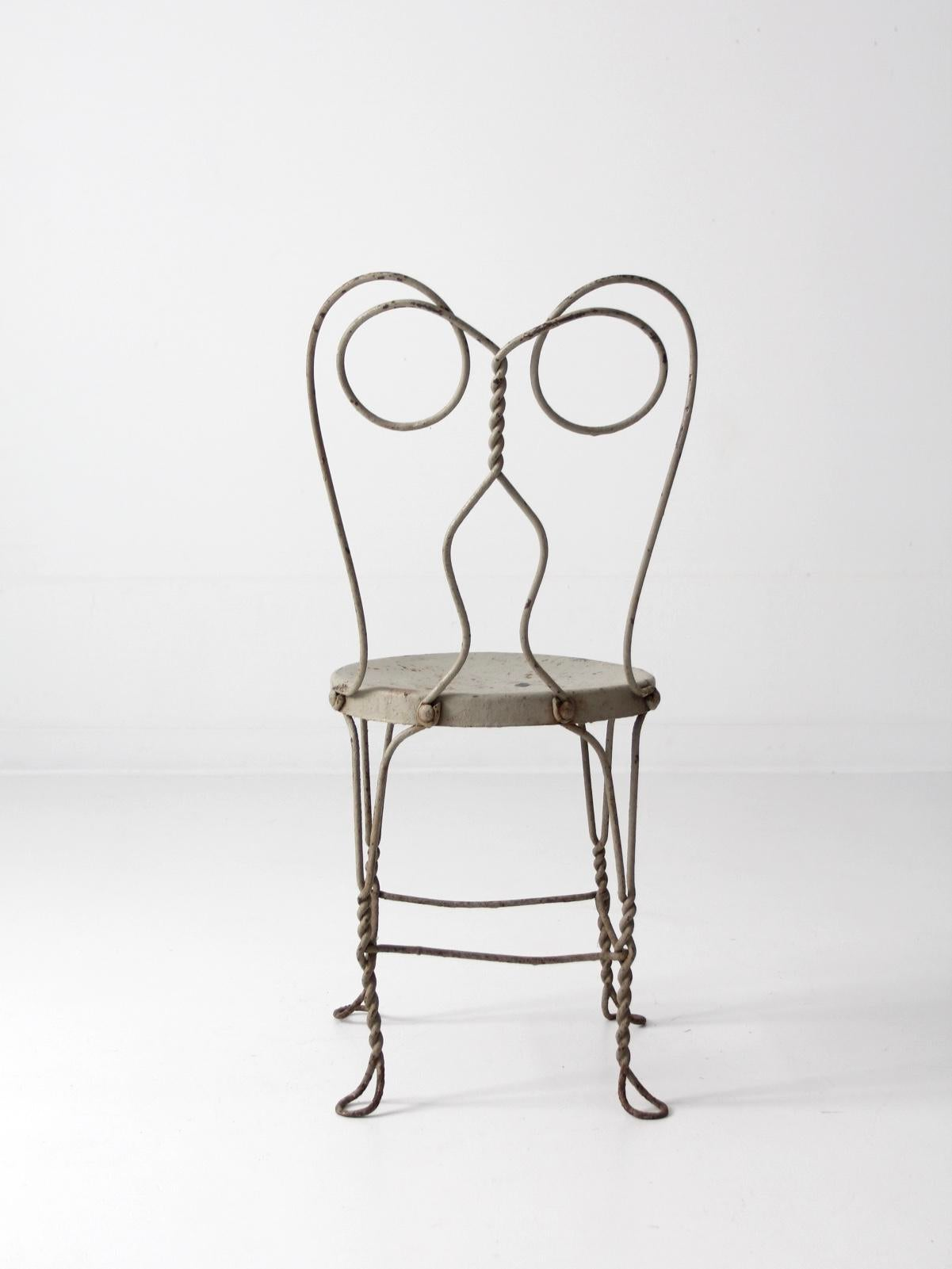Etonnant A Vintage Ice Cream Parlor Chair. The Gainsboro (light Gray) Metal Chair  Features