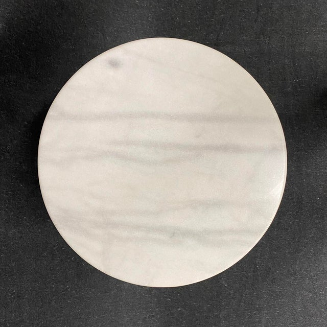 Round Italian Carrara, Calacatta marble top and white enameled tulip pedestal base side table, mod. no. 161, by Eero...