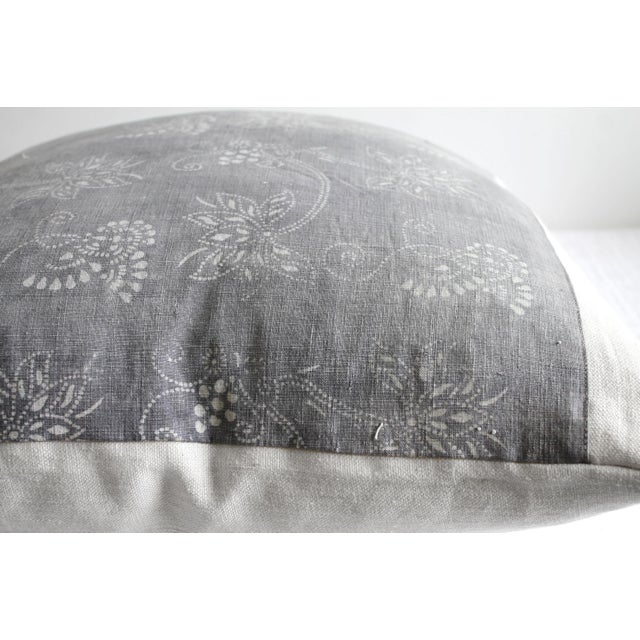 Early 21st Century Vintage Tribal Gray and Natural Textile Pillow For Sale - Image 5 of 6