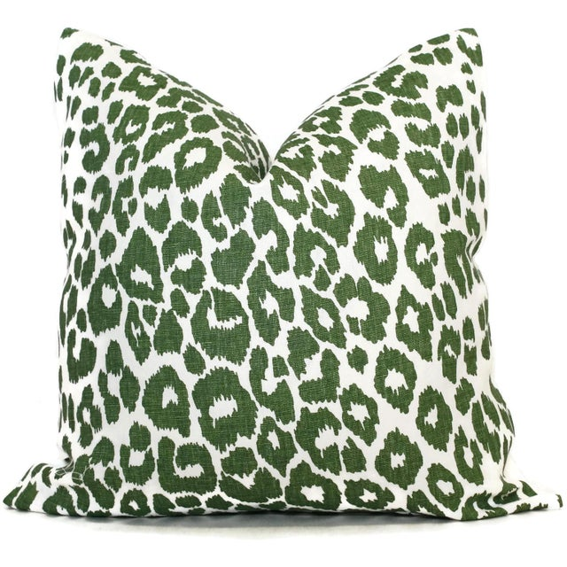 "Contemporary 20"" x 20"" Schumacher Leopard in Green Decorative Pillow Cover For Sale - Image 3 of 3"