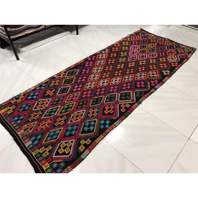 1960s 1960s Vintage Naturel Wool Turkish Kilim Rug- 3′10″ × 9′8″ For Sale - Image 5 of 11