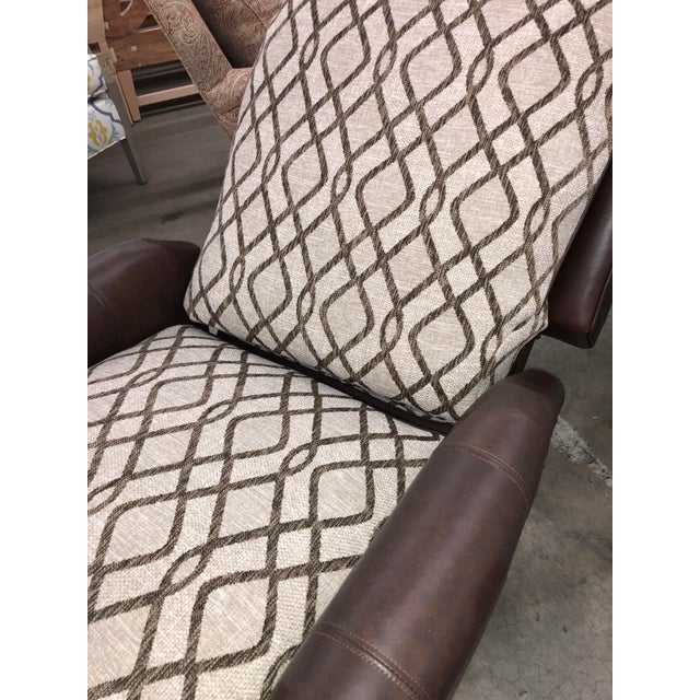 Contemporary Reclining Leather Chair For Sale In Charlotte - Image 6 of 10