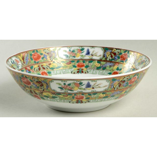 Hong Horizons Canton Rose Individual Bowl Set of 8 features a colorful and detailed chinoiserie design.